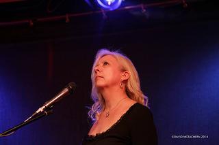 Anya Wassenberg, singer